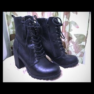 Women's Malia Combat Boots (SODA)
